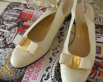 Vintage Sling Back Ferragamo Vara BOW TIE Shoes size 10 aa  Eur 42 UK 7.5 Ivory White Flats Narrow