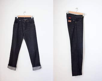 Vintage Wrangler jeans / vintage black denim jeans / high waisted jeans