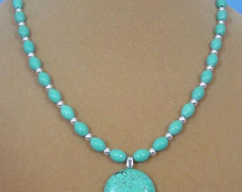 "Pretty 18"" Turquoise Pendant Necklace - N523"