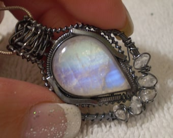 Rainbow Moonstone (Natural) Oxidized 925 Sterling Silver Necklace - 18 Inch