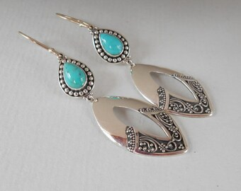 Gorgeous Sterling Silver Turquoise dangle Earrings, Balinese handmade Jewelry, silver earrings, dangle earrings, Jewelry gift