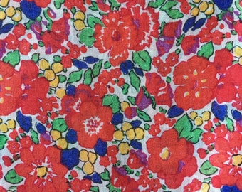 vintage liberty like floral ditsy voile dressmaking fabric