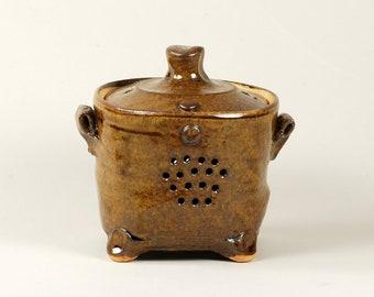Squared, ash glaze ceramic garlic storage box with feet