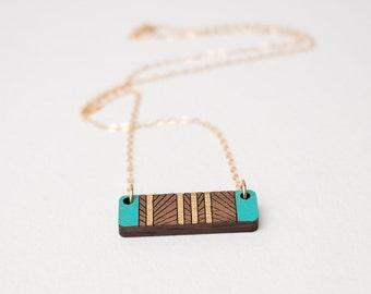 5ème cadeau d'anniversaire, cadeau d'anniversaire bois, cadeau d'anniversaire pour elle, collier géométrique, superposition de collier, collier de bois découpé au Laser