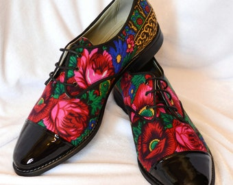 Derby Shoes , Derby Lady Shoes , Black patent leather Shoes , Flower print Lady Oxford Shoes , Urban  Oxford Shoes , Custom made shoes