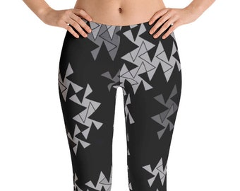 Geometric Leggings Yoga Pants, Printed Yoga Tights, Black and Gray Triangle Pattern