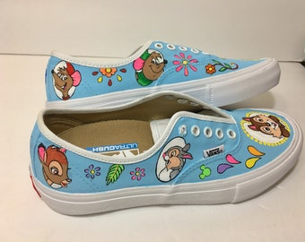 10 character with design Vans