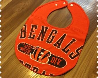 Cincinnati Bengals Baby Bib, Recycled T-Shirt Baby Bib, Baby Shower Gift, Sports Baby Boy Gift, Football Baby