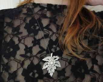 Maple Leaf necklace - Maple Leaf pendant - sterling silver pendant - sterling silver necklace - Maple Leaf jewelry - canada necklace - Gift