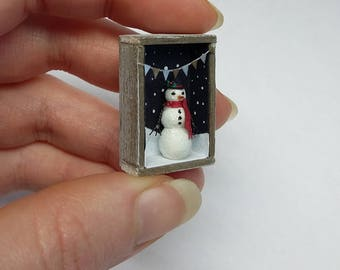 1:12 scale Snowman Rustic Shadowbox (for Dollshouses)