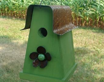Rustic Green Birdhouse Outdoor Bird House Garden Decor Metal Flower Functional Birdhouses