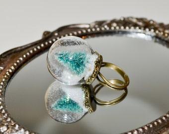 Globe Ring, Miniature Christmas Tree Ring, Holiday Jewelry, Alternative Christmas Tree, Snow Globe Ring, Glass Ball Ring, Christmas Jewelry