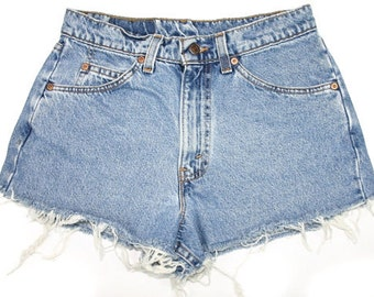 LEVIS Only! Mid Waisted shorts high waisted Distressed Cut off Shorts/All Sizes/All Washes Made to Order/S-XXL/cheeky Shorts/Frayed Edges
