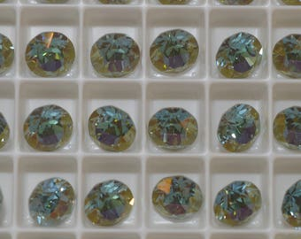 12 ~ Verde Foiled 8mm SWAROVSKI ELEMENTS crystal 1088 ss39 Chatons