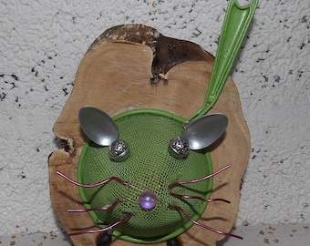A green mouse