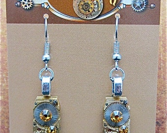 Steampunk - Oro Con Moto  - Steampunk Earrings - Repurposed art