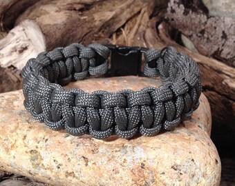 Grey braiding cobra Paracord Bracelet / survival Bracelet / gift man / gift / accessory hiking camping