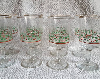 Set of 8 Holly Berry Gold Band Wine Glasses, Christmas Glasses, Holiday Stemware, Arby's Promotional Glassware