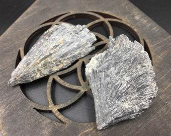 Rock Sale: Black Kyanite