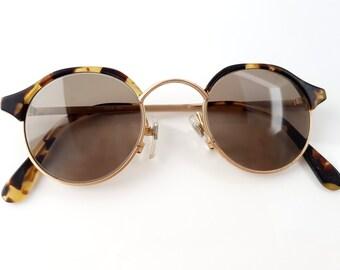 Round Tortoise Sunglasses, Brown Shades, Boho / Retro Fashion Eyewear / Mid Century Dead-stock Fashion Accessories