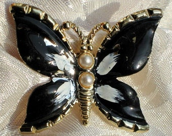 Estate Jewelry SaLe ButterFly Wings Vintage Brooch Pin Signed Gerry's Mod Dimensional Pearl Black White Ivory Kitschy Designer Enamel Unique