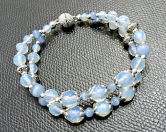 Moonstone and cat eye bracelet, moonstone bracelet, cat eye bracelet, beaded bracelet, gemstone bracelet, silver bracelet