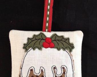 Raw Edge Applique Design 'Figgy Pudding': lavender bag and decoration