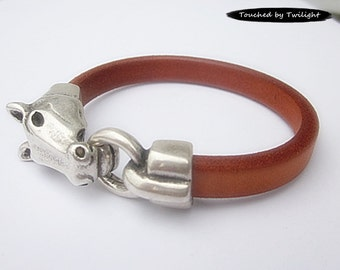 Leather Equestrian Bracelet - Tan Regaliz Leather with Antique Silver Horse Head Clasp - Horse Lover Bracelet
