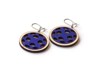 Stylish wooden earrings - model 1.2