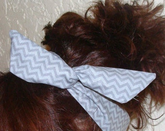Dolly Bow, Silver Grey Chevron Flexible Wire Headband Teen Girl Woman 50s hair Rockabilly