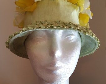 Vintage Flower Bucket Hat, green and yellow with straw raffia trim and petals on mesh top, 1950s 1960s