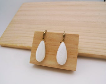 Mother of Pearl earrings, Tear drop earrings, Simple white Earrings