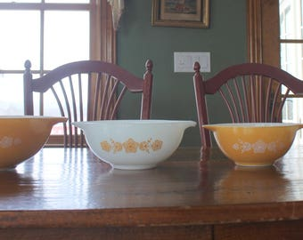 Complete Set of Vintage PYREX MIXING BOWLS Butterfly Gold Cinderella Nesting Ovenware 441 442 443 444 - Retro Kitchen - Excellent Shape!