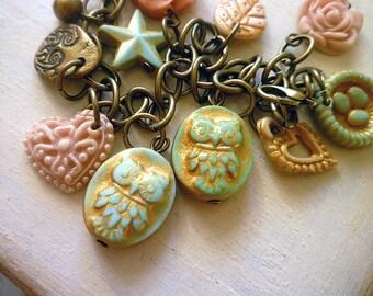 Two Baby Owls, Mommy Bracelet, 2 kids bracelet, owl charm bracelet for mom and grandma