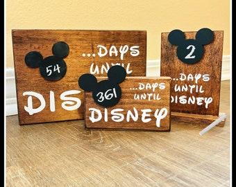 Disney Countdown Chalkboard/Wood Sign/Countdown/Calendar/Mickey/Disney World/Disneyland
