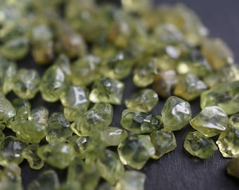 AAA Natural Tumbled Polished Apple Green Peridot Pebbles Chips from Brazil No Drill Holes - 4mm-6mm - 100 pieces