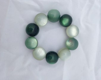 Bracelet Greens Graduated Colour  Ombre Effect Tonal Plastic Beads Chunky Round Beads