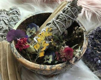 Vegan Smudge kit - bundle - Sage Palo santo & Carved Soapstone bowl + organic dried flowers