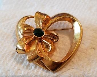 Vintage Avon Heart with Rhinestone, goldtone heart with Rhinestone, Avon Heart with green rhinestone
