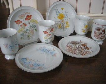4 Porcelain Cups and Plates from the Fanci Florals Collection