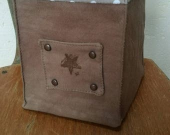 Square tissue or trinket box / Range trinkets/planter/and others...