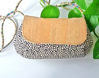 Clutch made of cork and cotton fabrics