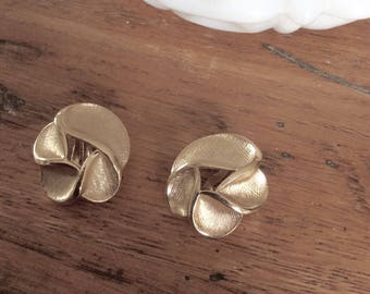Vintage Trifari Goldtone Clip Earrings / Brushed Finish / Costume Jewelry