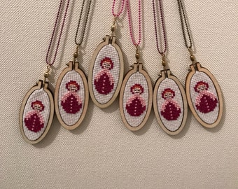 Cross stitch necklace / Cross Stitch - Matriochkas.