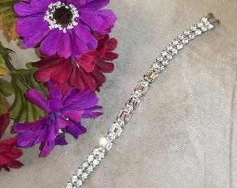 Exquisite Rhinestone Bracelet, Silver Strap Bracelet, Rhinestone Bracelet, Excellent Condition, Vintage Rhinestone Bracelet, Formal, Prom