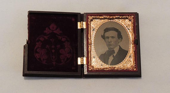 Antique 1850s Ruby Red Glass Ambrotype Photo.. Union Case.. Victorian Man