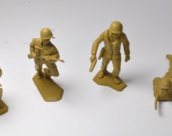 Set Of 4, Vintage Army Toys, 1960s Play Set Army Men, Military, Collectible Toys