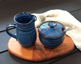 Sugar pot – Pottery sugar jar with spoon rest, honey pot or salt cellar, Ceramic, Stoneware, Handmade, Wheel thrown