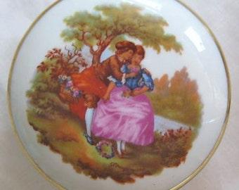 Vintage Limoges Trinket Box Courting Couple Fragonard Veritable Porcelaine d'Art