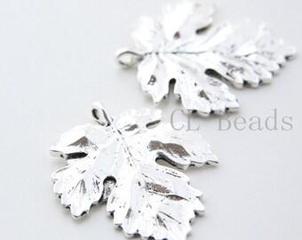 2 Pieces Oxidized Silver Base Metal Charms-Leaf 40x35mm (26301Y-T-120)